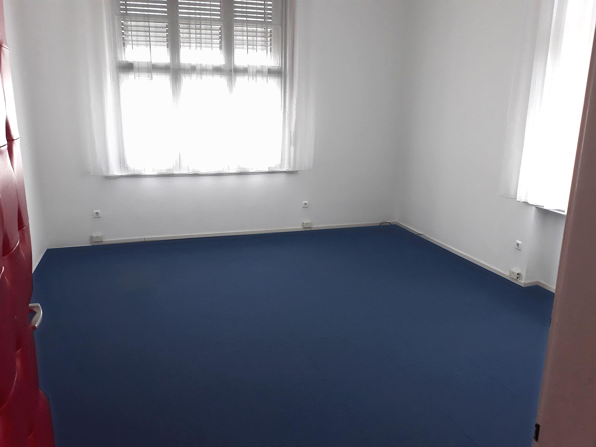 Kiadó váci iroda belső helyiség