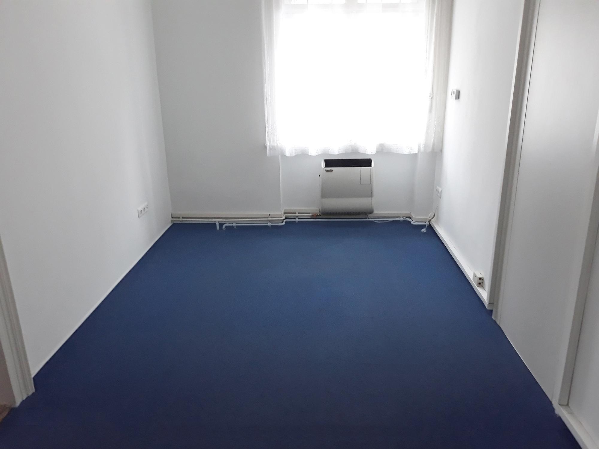 Kiadó váci iroda külső helyiség